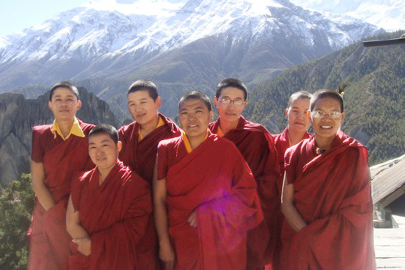 Nuns-of-Sher-Gompa-4